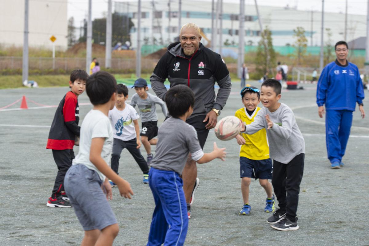 中島イシレリ選手の「子どもラグビー体験」